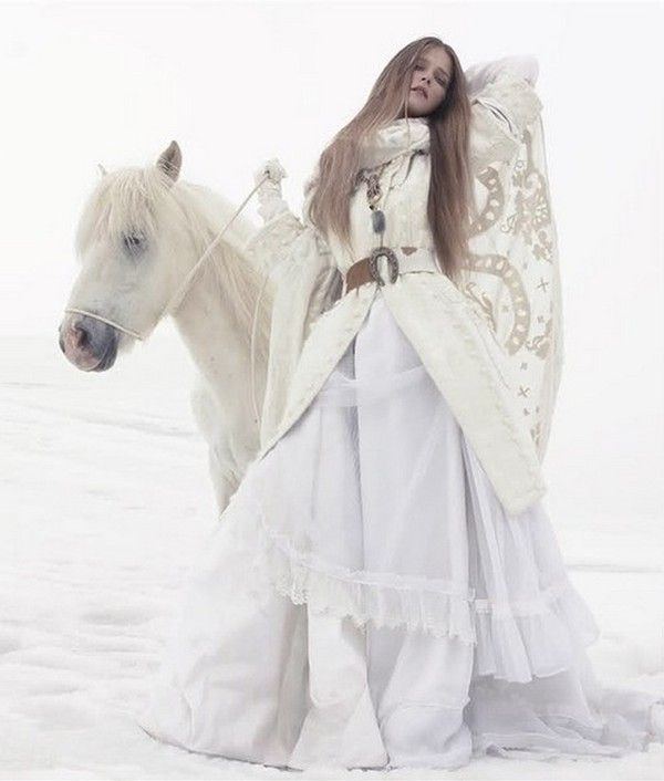..Winter Snow, Solving Sundsbo, Fashion, Carmen Kass, Capes, White Hors, Vogue China, Snow Queens, Snow White