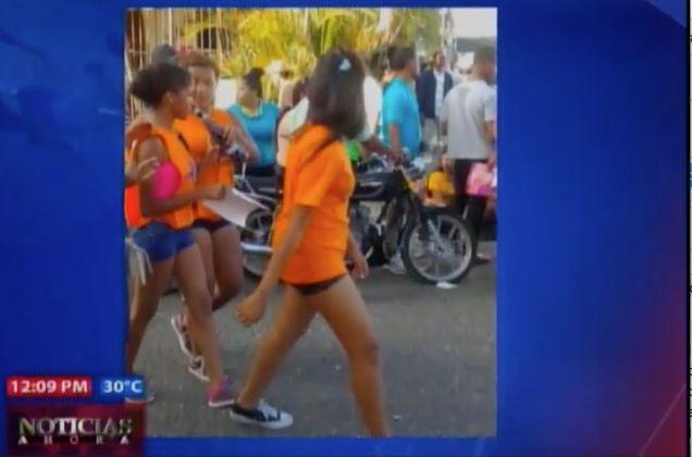 Circulan Fotos De Supuestas Menores 'Pegadas De Una Botella De Ron' En Caravana De Abel Martínez #Video