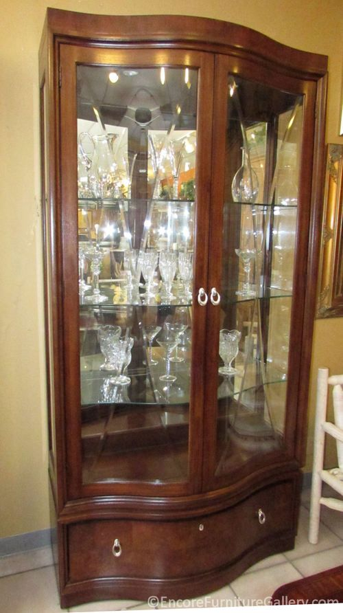 Thomasville Bogart Collection Lighted Curio Display China Cabinet 2 Available