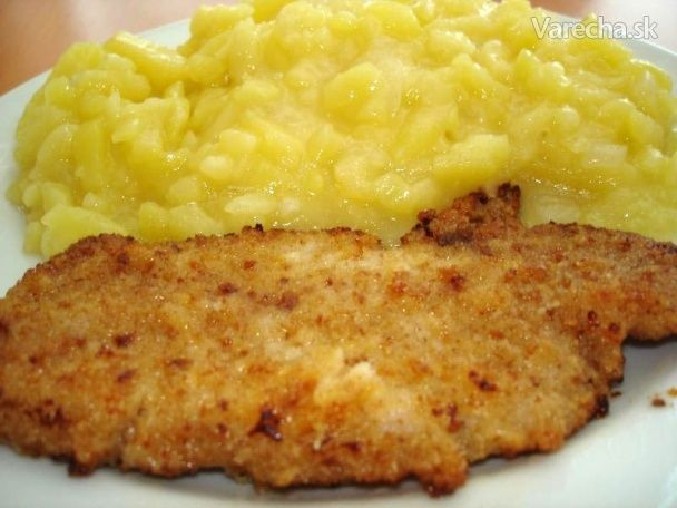 Bravčové rezne na diétny spôsob so zemiakovým šalátom