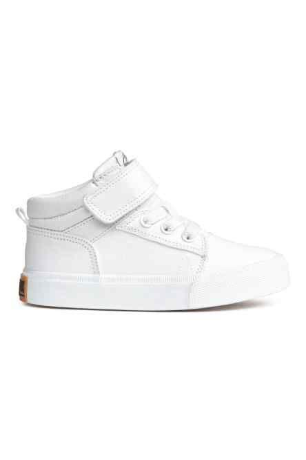Buty sportowe z diagonalu