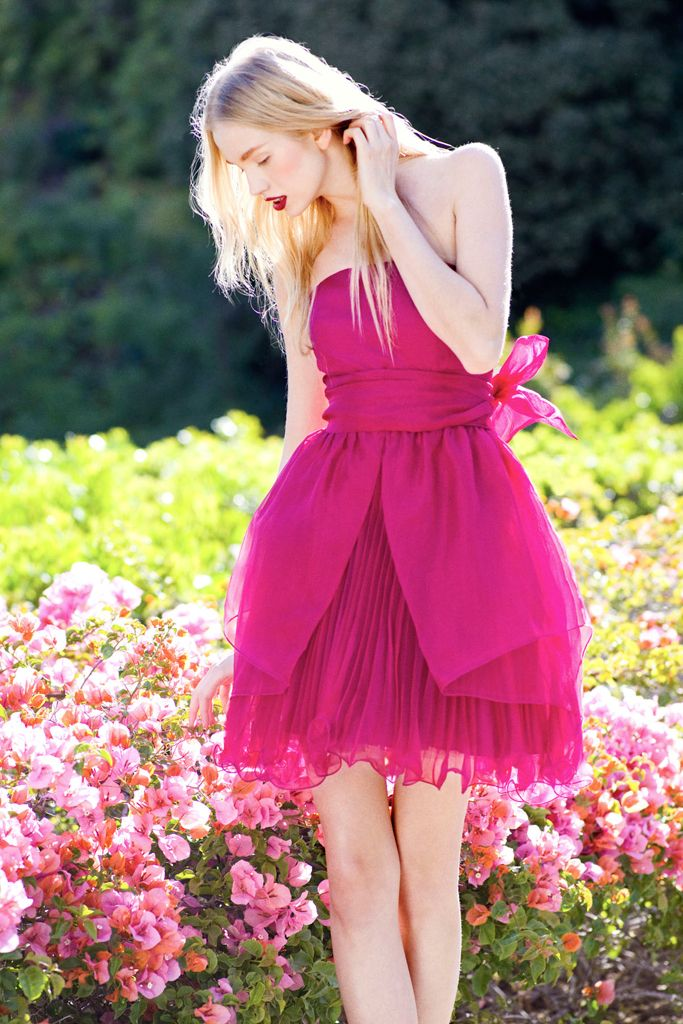 A gorgeous pink dress to match the colourful flora and fauna at Capella Singapore #Capella #fashion #resort #style #flowers