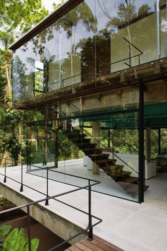 glass, if you can get away with it: House in Iporanga (Brazil, Guarujá) by Nitsche Arquitetos Associados.