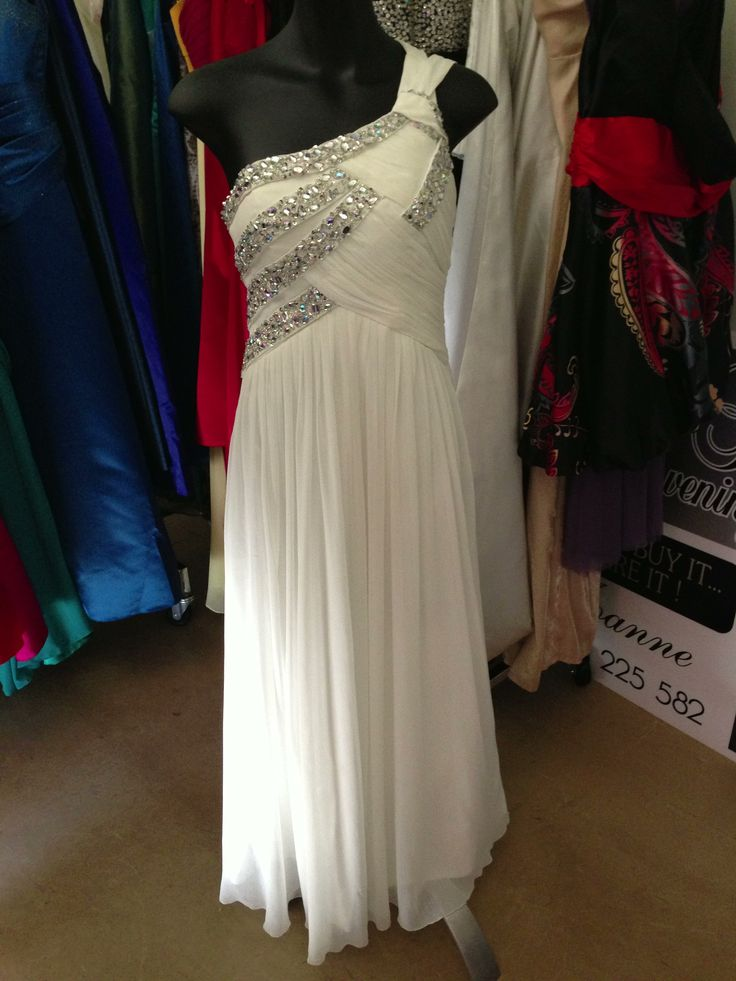 Gorgeous dress for hire
