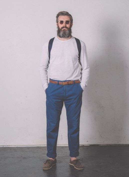 • BASED ON A TRUE STORY • THE SS14 COLLECTION Pant. Cod. HILO M0127.456.XS / CHINO LOOSE GABARDINE STRETCH www.uniformjeans.it/
