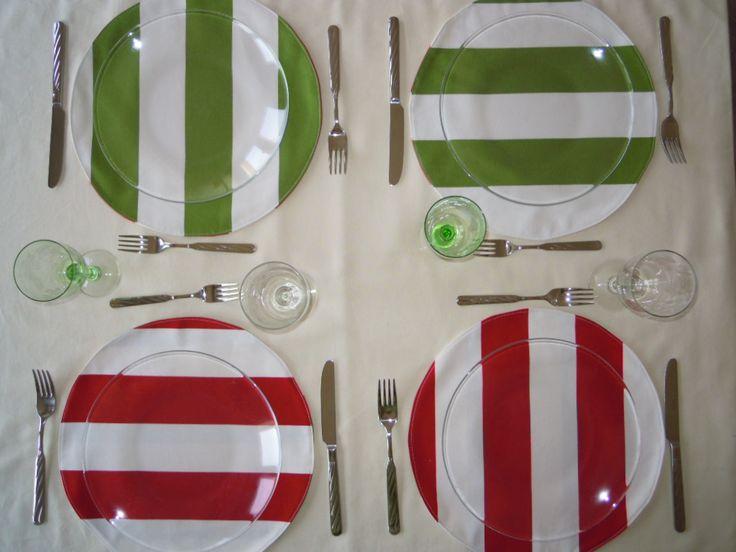 Set da tavola double-face a righe rosse e verdi