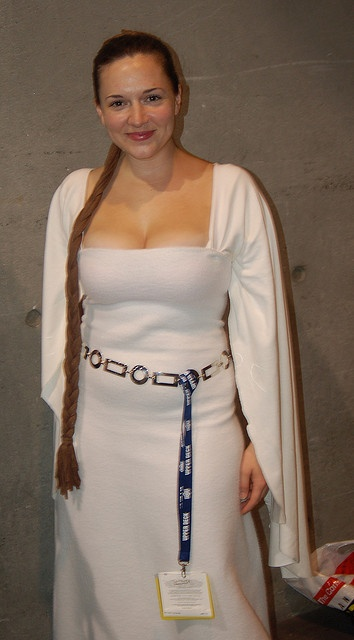 Comic Con 2008: Princess Leia ceremonial by earthdog, via Flickr