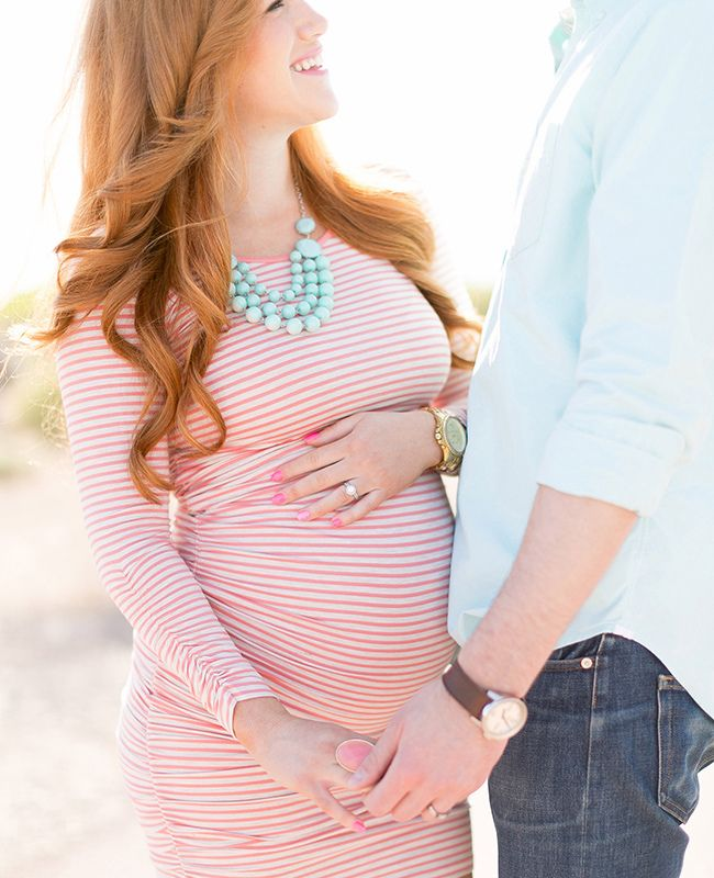 Love the colors in this maternity shot!