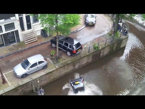 Chase PORSCHE drowned SMART in the canal - YouTube