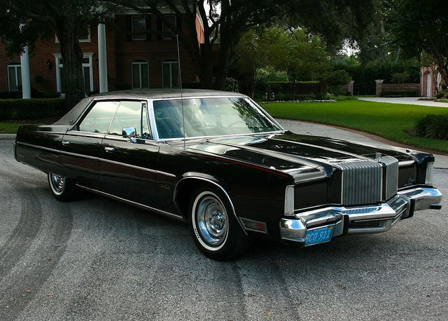 1977 Chrysler New Yorker Brougham