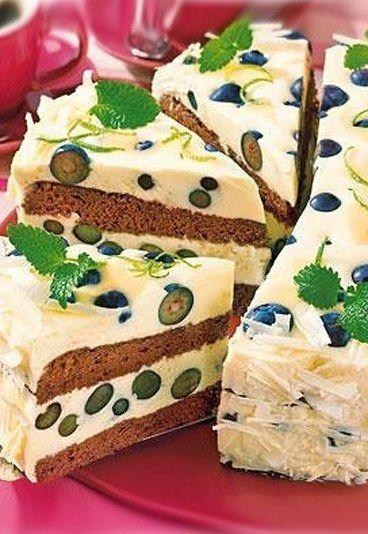 Heidelbeer-Eierlikör-Torte mit Schokobiskuit - Eierlikörkuchen - » Zum Rezept: Heidelbeer-Eierlikör-Torte mit Schokobiskuit Lesen Sie auch auf bildderfrau.de: » Apfelkuchen: 15 raffinierte Rezepte » Streuselkuchen vom Blech » Kuchen-Rezepte...