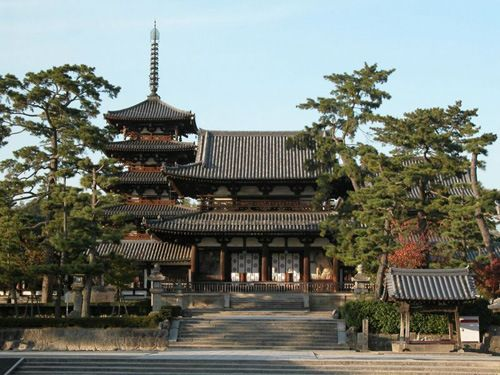 Horyuji Temple (Nara): Despite the fact that Todaiji Temple with its Great Buddha gets all the glory, true seekers of Buddhist art and history head to the sacred grounds of Horyuji Temple with its treasures and ancient buildings.