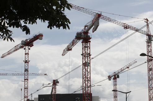 La crise immobilière devrait s'aggraver en 2013 pinned with Pinvolve