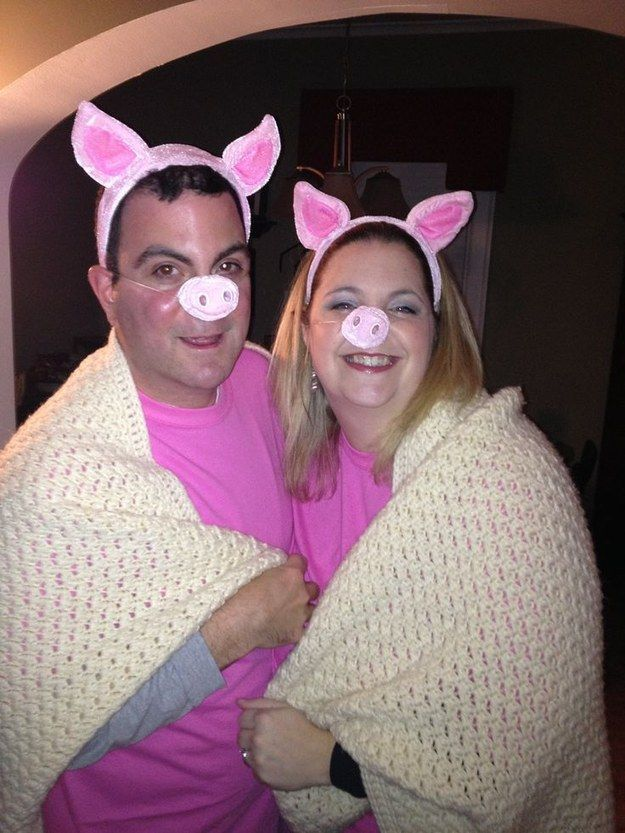 Pigs in a blanket: | 25 Super Last-Minute Halloween Costumes That Will Blow People's Minds