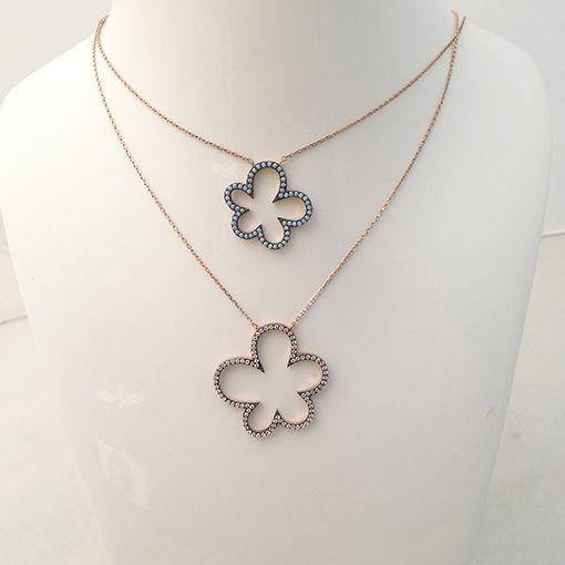Rose Çiçek Desenli Firuze Taşlı ve Zirkon Taşlı Kolye Kombin  Besen Gümüş www.besengumus.com  #besen #gümüş #takı #aksesuar #rose #çiçek #desenli #firuze #zirkon #taşlı #kolye #kombin #izmit #kocaeli #istanbul #besengumus #tasarım #moda #bayan  Fiyat Bilgisi ve Satın Almak İçin https://besengumus.com/kolye/rose-cicek-desenli-firuze-tasli-ve-zirkon-tasli-kolye-kombin.html  Sorularınız İçin Whatsapp 0 544 6418977 Mağaza 0 262 3310170