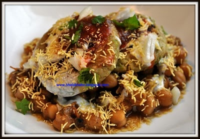 Aloo Chaat: Indian Cuisine, Chole Chaat, Chickpeas Tops, Aloo Chaat, Easy Aloo, Potatoes Pancakes, Potato Pancakes, Aloes Tikki, Flavored Chickpeas