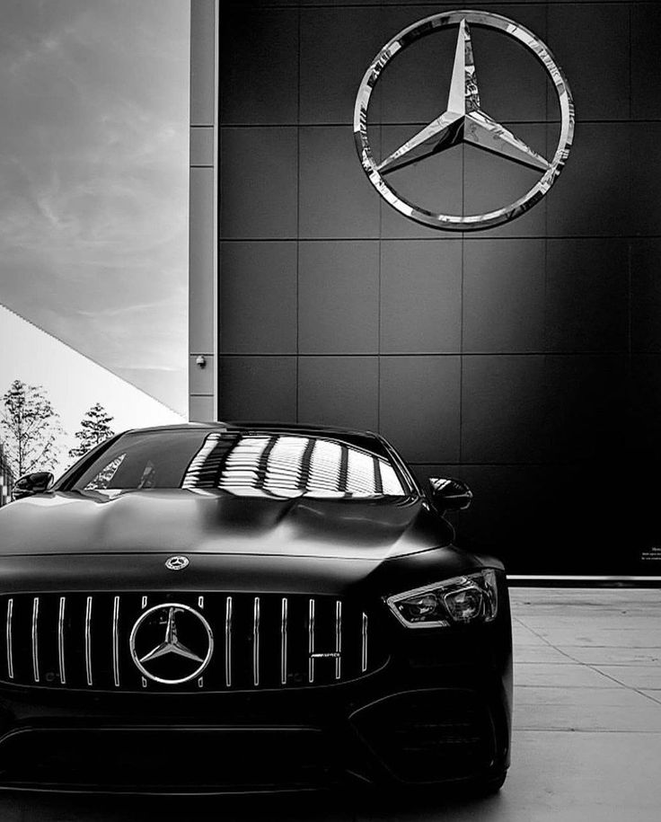 Aufgepasst! Das #Biest ist in Racing-Laune. 🏁 Foto via @chrstphr_dtschlr . [Mercedes-AMG GT 63 S 4MATIC+ | Kraftstoffverbrauch kombiniert: 11,2 l/1…