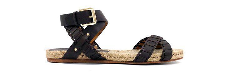 Ralph Lauren http://www.vogue.fr/mode/shopping/diaporama/shopping-sandales-du-printemps-ete-2014/19097/image/1007783#!ralph-lauren-corde-cuir-noir-shopping-sandales-ete-2014