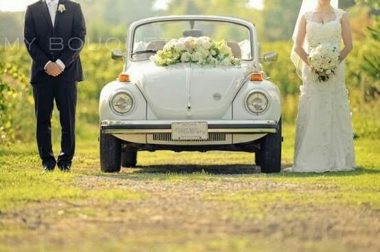 Arreglos para carro de novia | flores a domicilio df.  www.floreriasfelicidad.com | Llama ahora y cotiza.  (55) 5740 1764