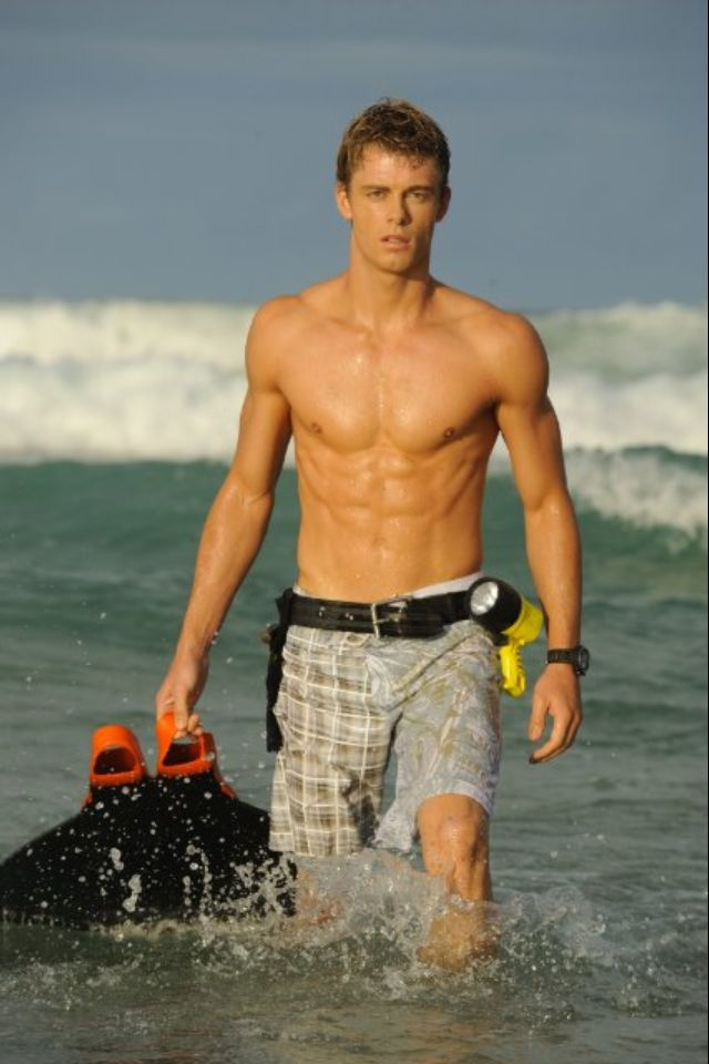 Luke Mitchell a.k.a the reason I watch The Tomorrow People