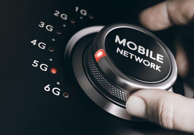 Alors que les opérateurs mobiles français, à savoir Orange, SFR, Bouygues et Free, continuent de déployer leur réseau 4G sur tout le territoire, la 5G, qui devrait arriver à l'horizon 2020, fait