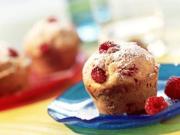 Himbeer-Dinkel-Muffins ist ein Rezept mit frischen Zutaten aus der Kategorie Muffins. Probieren Sie dieses und weitere Rezepte von EAT SMARTER!