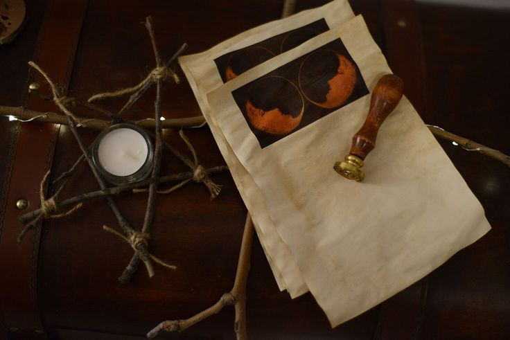 Vecchia carta rituale insieme di TheWitcheryCrafts su Etsy https://www.etsy.com/it/listing/264451149/vecchia-carta-rituale-insieme