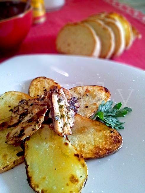POVERI MA BELLI (E BUONI) - Sardine marinate con patate alla griglia Vai alla ricetta: http://slelly.blogspot.it/2014/07/poveri-ma-belli-e-buoni-sardine.html
