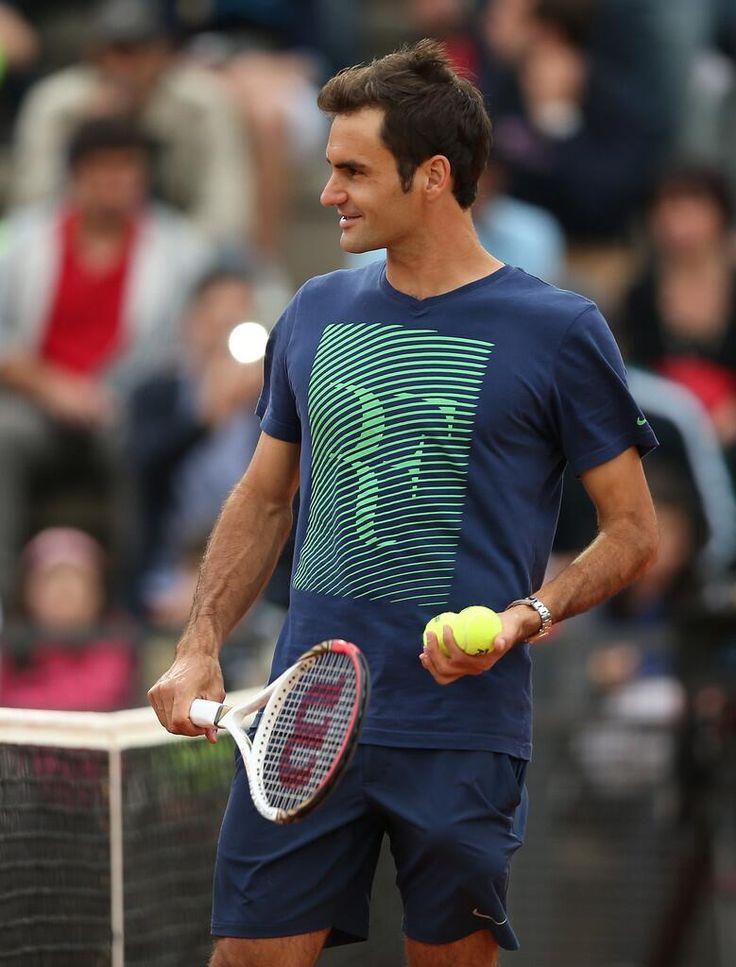 Twitter / RFedererPics: Roger smiling during the practice ...