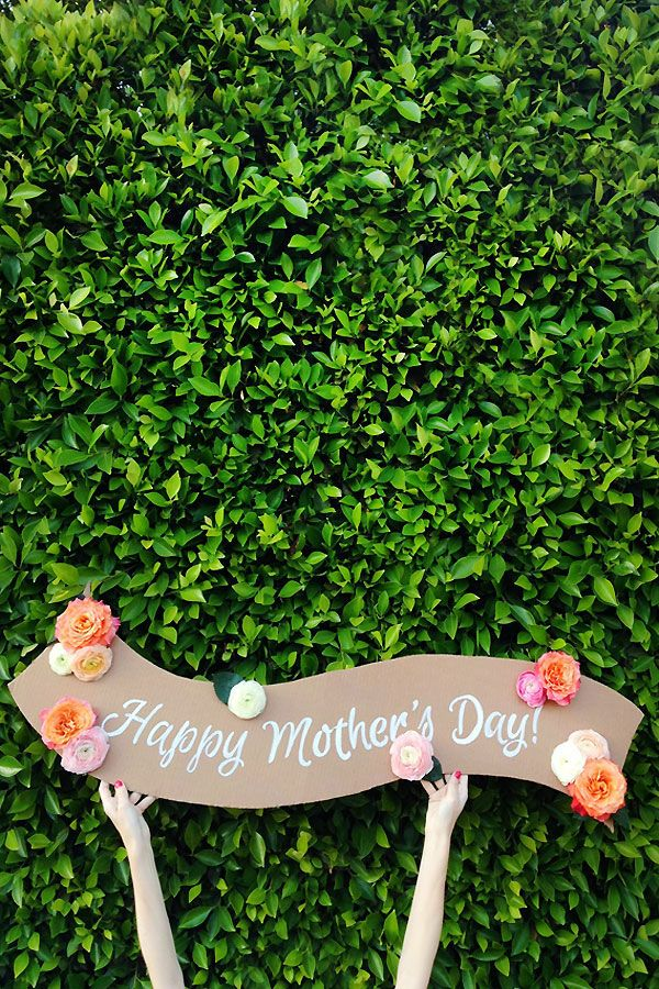 DIY Fresh Flower Banner!