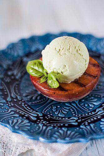 My recipe book - Базиликовое мороженое на персиках гриль