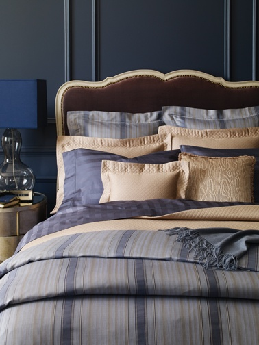 SFERRA Dario bedding is like a fine Italian suit: smooth, sleek, and refined.