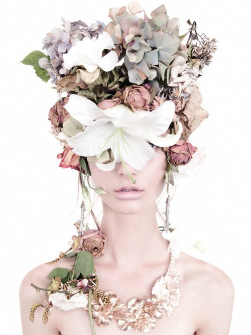avant-guarde floral bride
