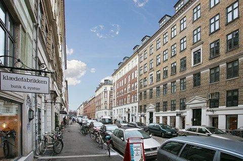 """Jægersborggade 54, 5. tv., 2200 København N - Den billigste 2v'er i """"Lille Berlin"""", med nyt badeværelse #solgt #selvsalg #selvsalgdk #dukangodtselv #tilsalg"""