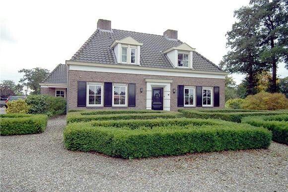 Wilt u een mooie notariswoning laten bouwen voor een gunstige prijs? Vraag een vrijblijvende offerte aan bij Aannemersbedrijf Wielink! http://www.aannemersbedrijfwielink.nl/vrijblijvende-offerte/