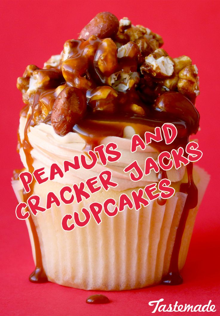 Scran Line takes you to the ball game with these Peanuts & Cracker Jacks Cupcakes