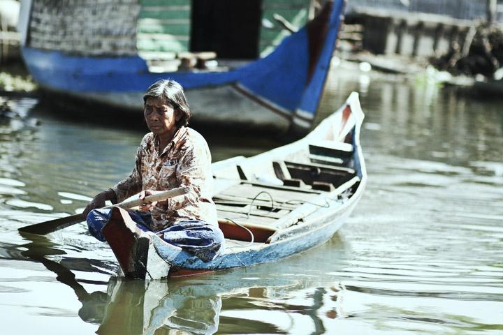 tonle sap photo cambodia south east asia