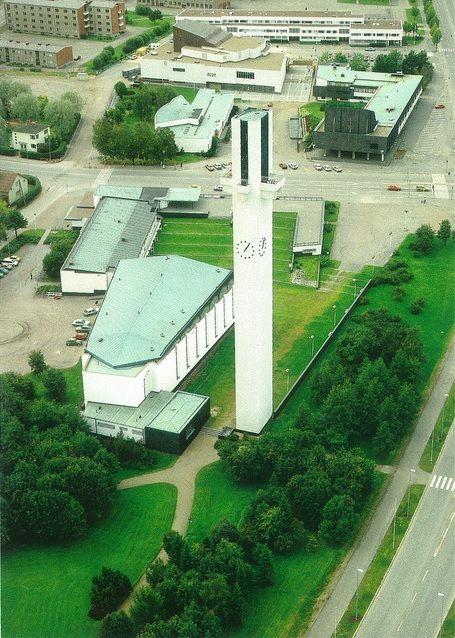 "Lakeuden Risti : ""Cross of the Plains"" church, Seinäjoki Finland (1957-60)   Alvar Aalto   Image : PCmarja2006"