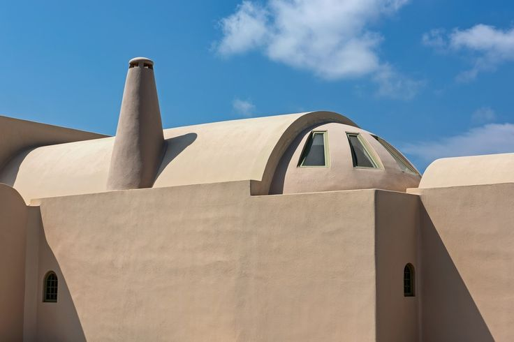 Stunning-Cob-House-Beautiful-Roof-Detail-Chimney-Vlychada-Santorini-Island-Greece-Sun-Holidays-Fun-Architectual-Ideas