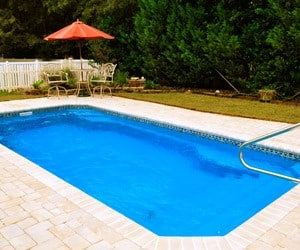 Best 25 fiberglass swimming pools ideas on pinterest for Pool design companies near me