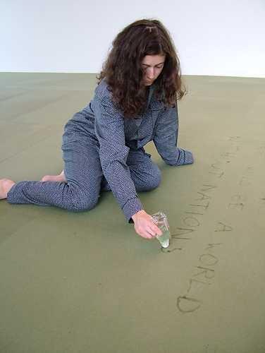 Job Koelewijn, performance Dreaming (1996-2004).© Wouter van der Tol, Museum De Paviljoens