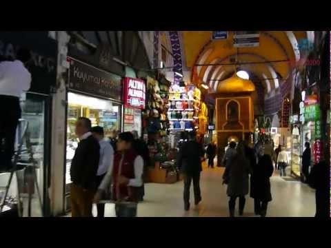 Tiendas en el Gran Bazar de Estambul, Turquía