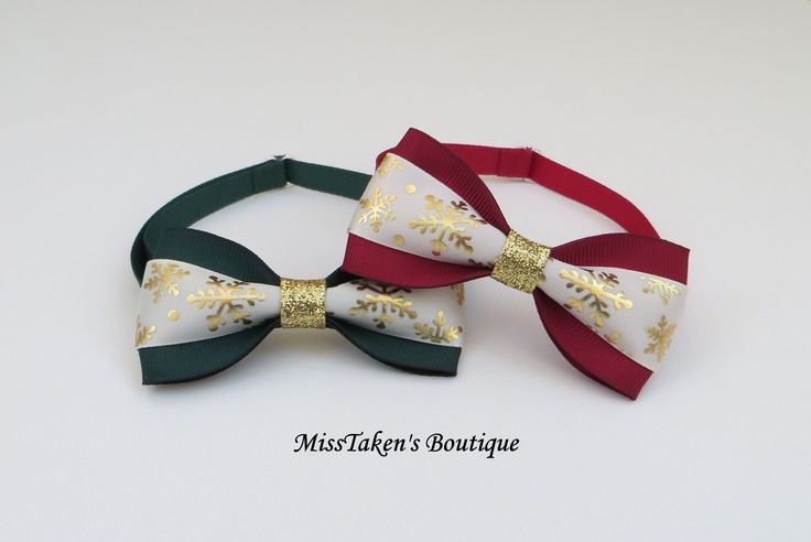 "Holiday Snowflake Pet BowTies    Adjustable Neck Size: 7.5-13"" (19-33cm)   Bow: 8cm x 4cm   Collar: 1cm Grosgrain Ribbon   Plastic Hook"