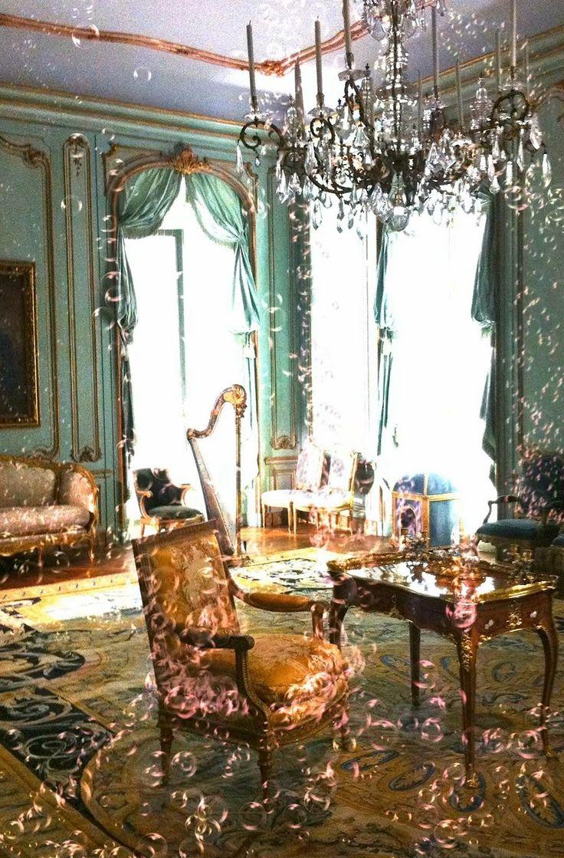 Pictured: Nicole Cohen, Champagne Room, 2013.
