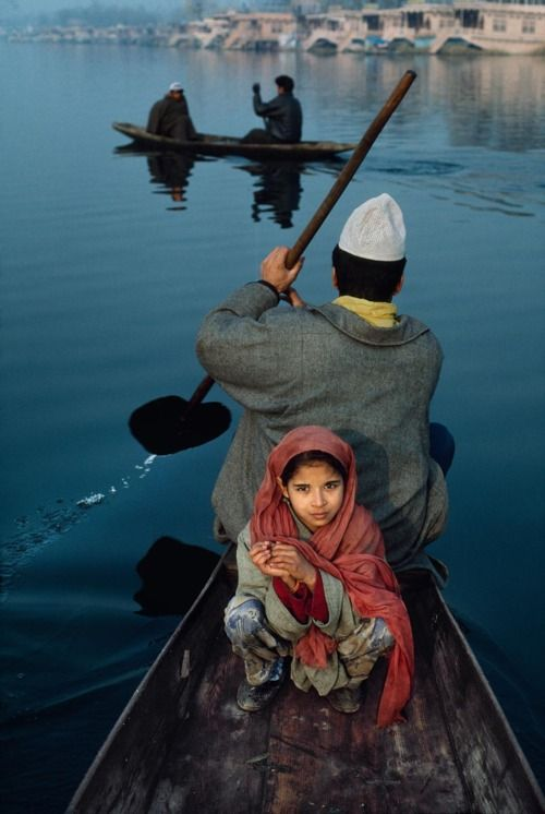 Dal Lake, Sringar, Kashmir: Travel Photos, Beautiful, Boats, Dal Lakes, Children, Steve Mccurry, India, Daddy Daughters, Father