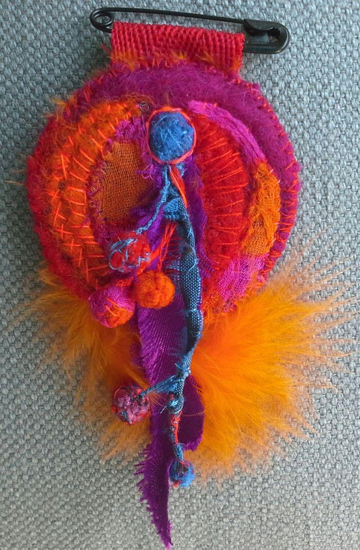 Broche Textile Ethno Chic от VeronikB на Etsy