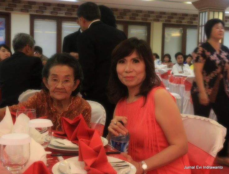 Makan Meja - Budaya Tionghoa | Jurnal Evi Indrawanto