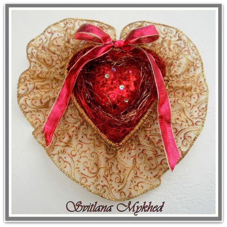 """Mariage. Porte alliances """"Coeur Rouge Doré"""" : Accessoires de maison par perles-et-couronnes"""