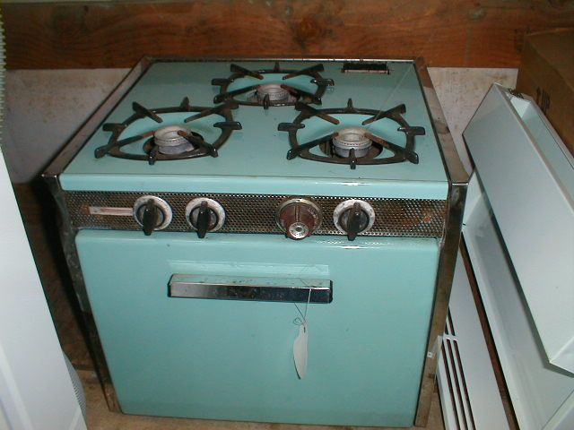Singleton S Rv Salvage Amp Sales Inc Magic Chef Stoves Pinterest Stove Princesses And Gas Stove
