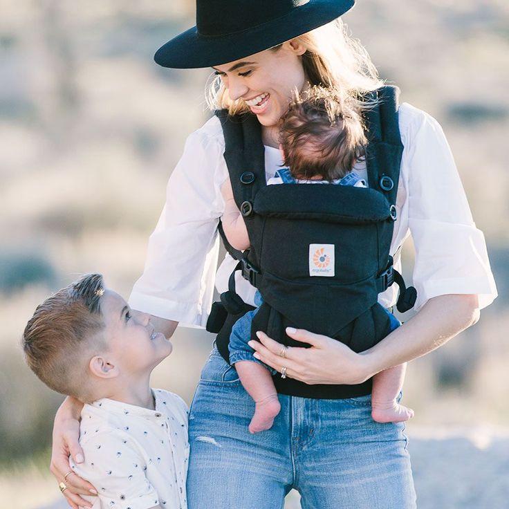 Den bedste bæresele på marked i dag er Ergobaby 360 four position som er en ergonomisk bæresele, der kan bruges til både de helt små nyfødte og til børn helt op til 15 kg. Et godt valg til dig som bare vil have det bedste til dit barn, og hvor prisen ikke er vigtig.
